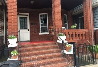 Brooklyn 2 bedroom Townhouse