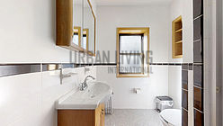 Apartment Fashion District - Bathroom