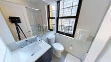 Apartment Midtown East - Bathroom