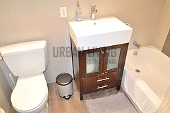 Apartment Bronx - Bathroom