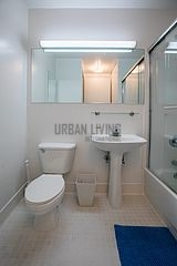 Apartment Hell's Kitchen - Bathroom