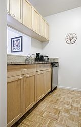 Apartment Hell's Kitchen - Kitchen