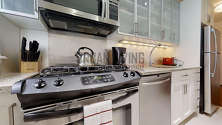Apartment Midtown East - Kitchen