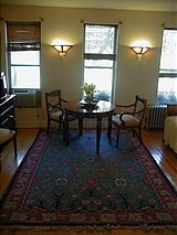House Sutton - Living room