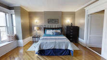 House Crown Heights - Bedroom