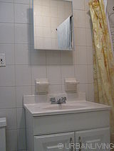 Apartment Dyker Heights - Bathroom