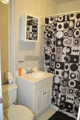 Apartment East Harlem - Bathroom
